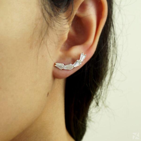 Brinco Pequeno Ear Cuff com Zircônias