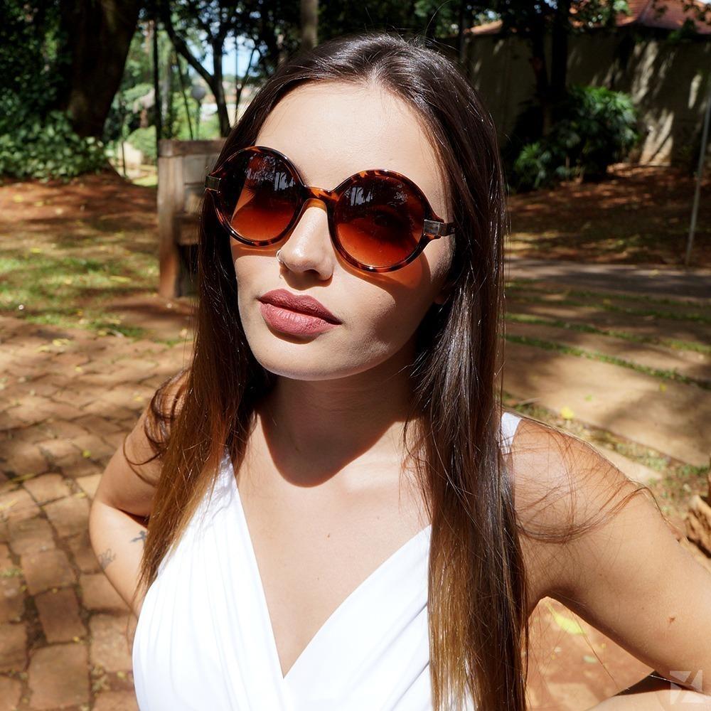 ead1388c9b226 Óculos de Sol Redondo com Estampa de Onça