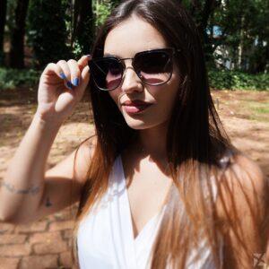 Óculos Escuro Feminino com Armação Prateada