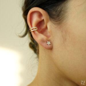 Piercing de Orelha Dourado com Zircônias