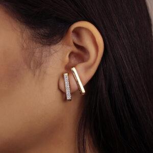 Kit de brincos ear hook cravejado de zircônias banhado em ouro 18k