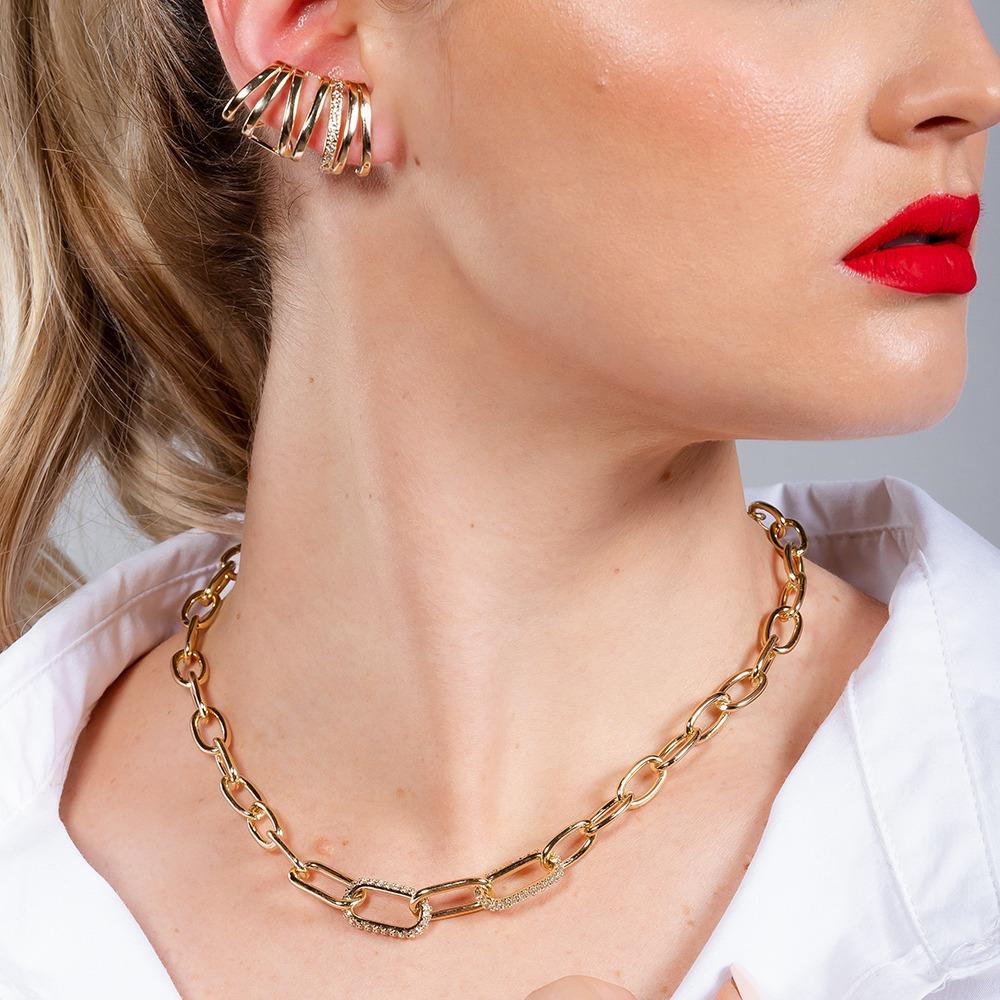 Brinco ear cuff com detalhes em zircônias banhado em ouro 18k